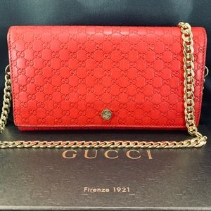 GUCCI Red Guccissima Wallet on Chain